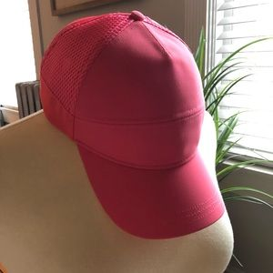 Like New Lululemon SnapBack Mesh Baseball Hat Cap